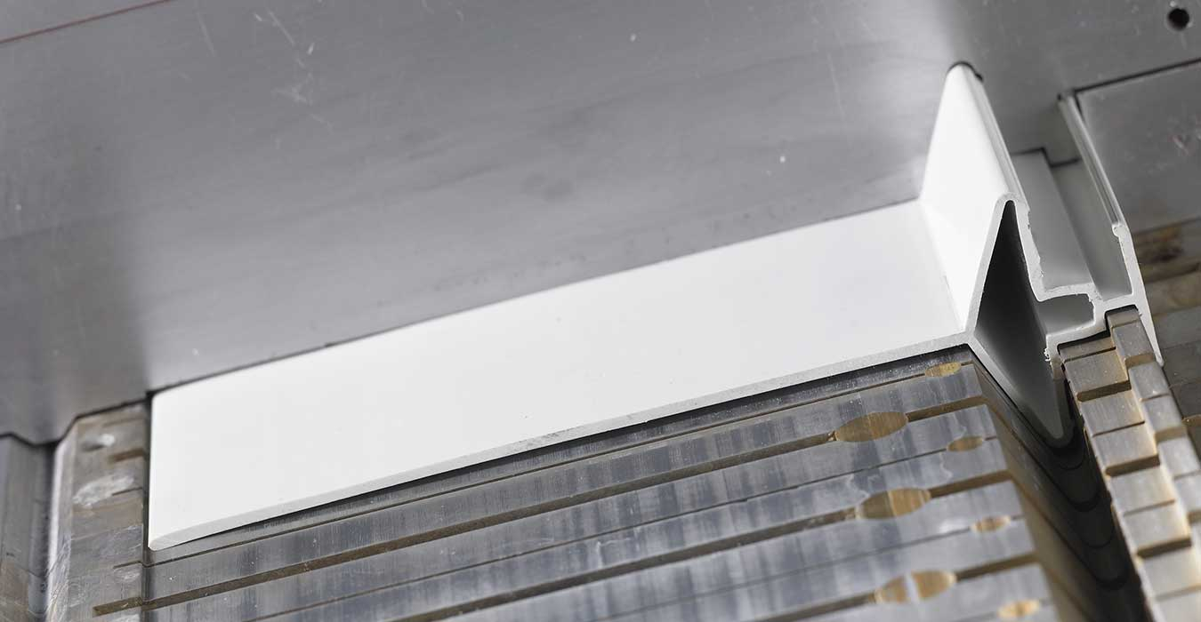 Plastic profile extrusion tooling